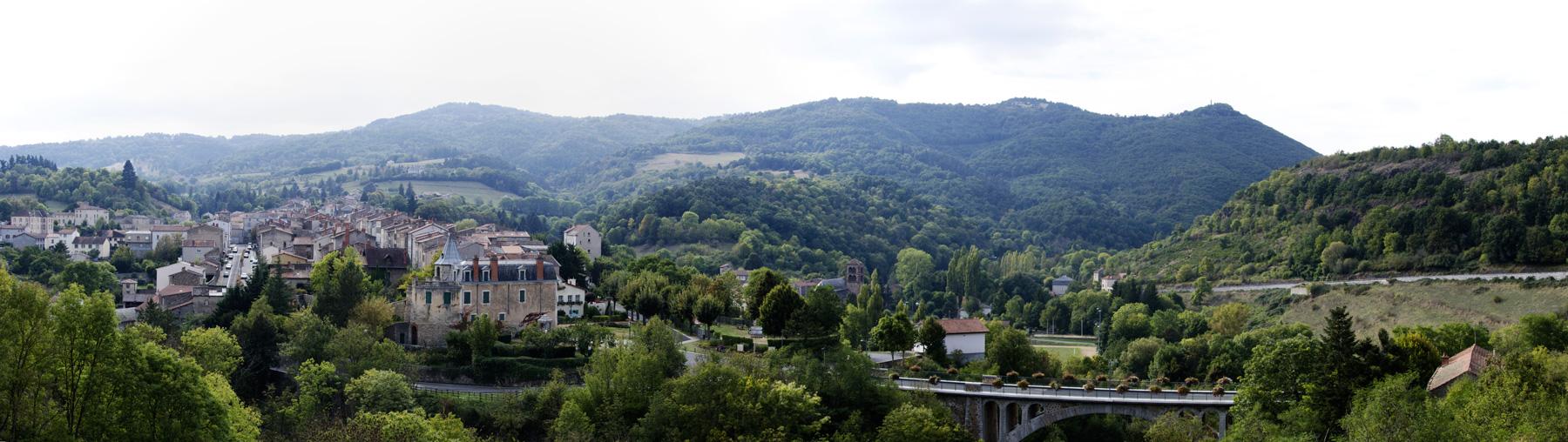 Vue panoramique d'Ardes et de ses alentours.
